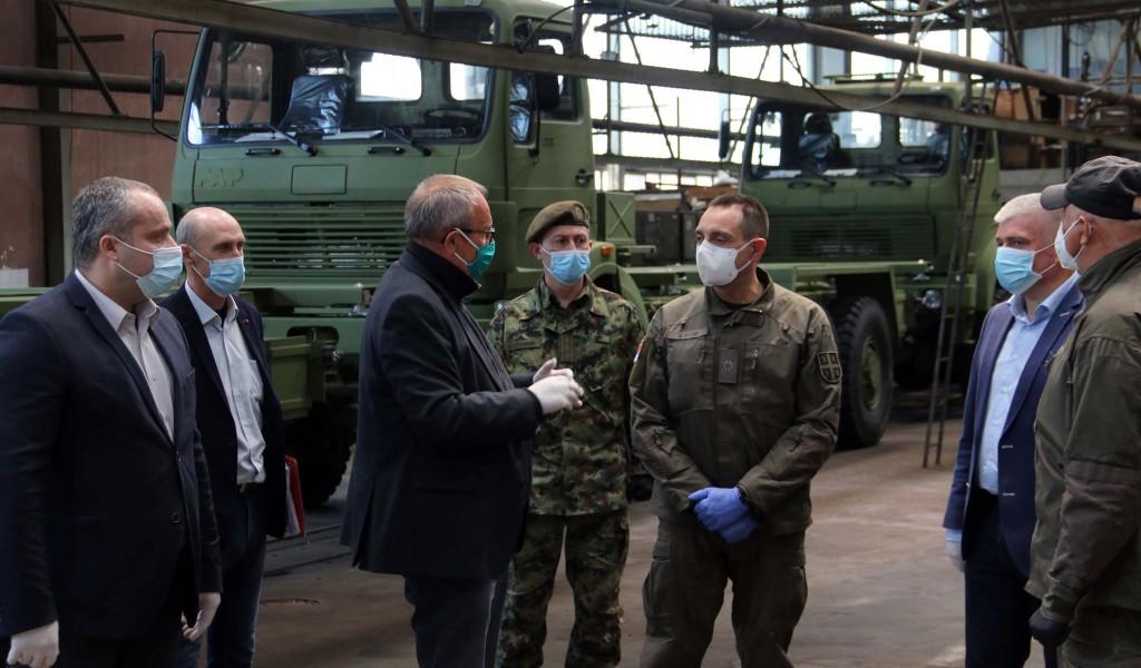 Девет нових камиона из ФАП а за Војску Србије