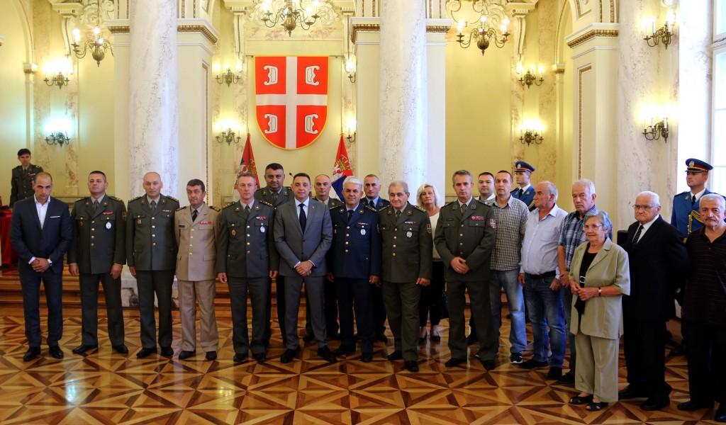 Ministarstvo odbrane Svako ko služi zemlji zaslužuje podršku države