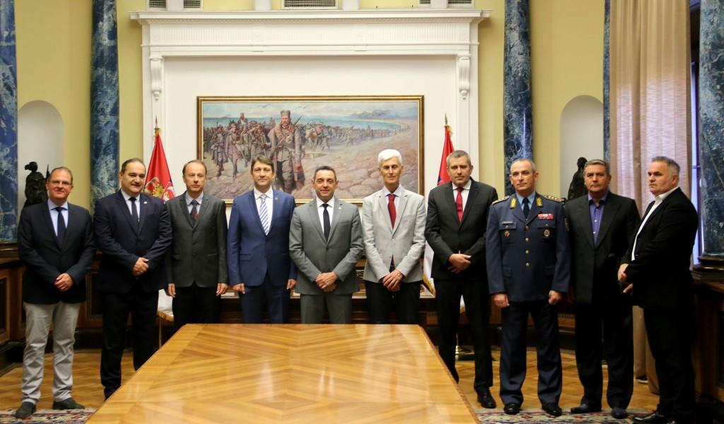 Министар Вулин Војска Србије сарађује увек са најбољим деловима друштва