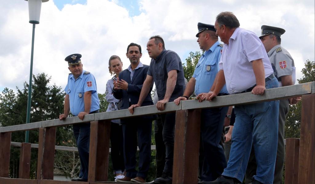 Министар Вулин Ергелу Карађорђево Војска обнавља својим новцем знањем и људима