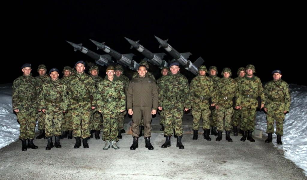 Министар Вулин Србија је мирна сигурна чувана и заштићена док је ту њена војска