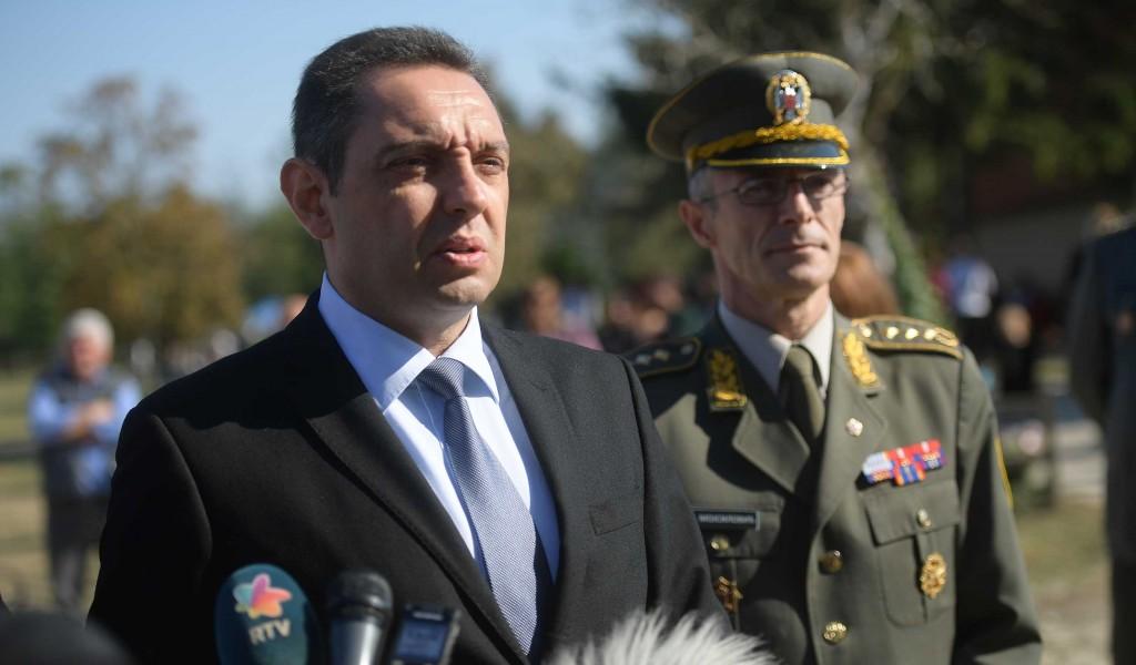 Министар Вулин Наредба предсeдника Вучића је да се постигнути ниво борбене готовости очува до даљњег