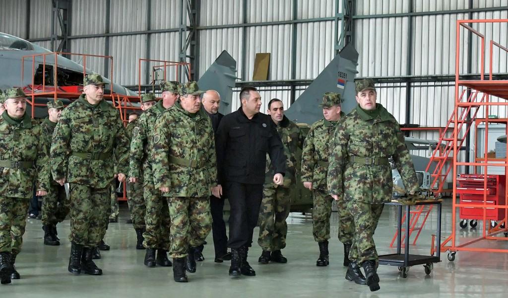 Vojska Srbije jača za šest aviona lasta