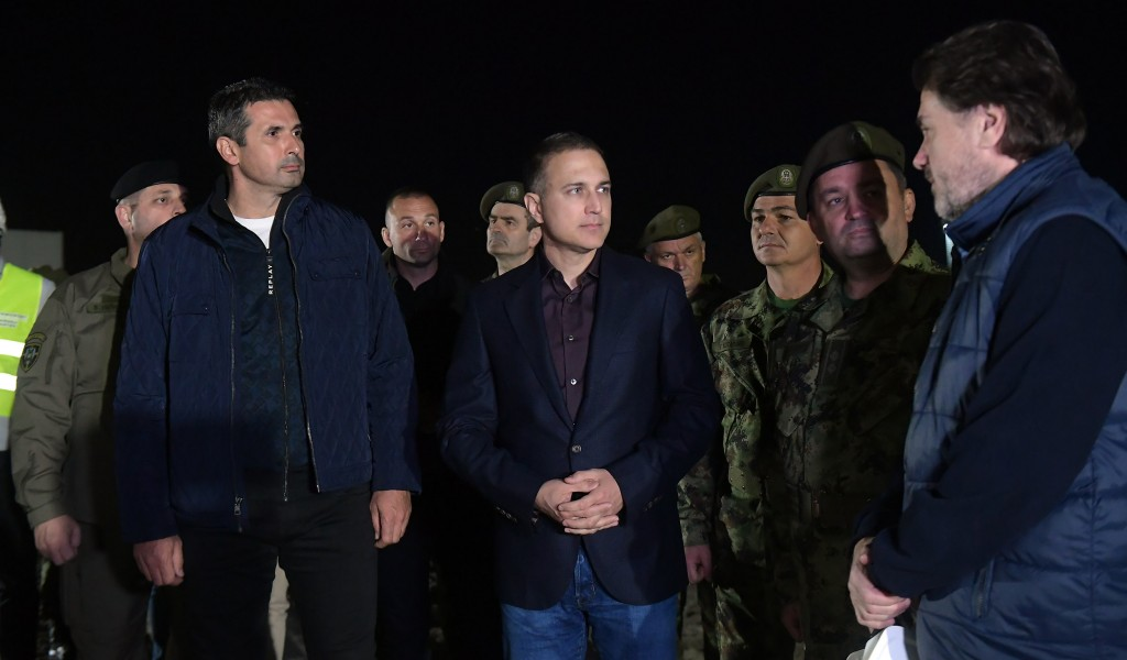 Министар Стефановић обишао радове на изградњи ковид болнице код Новог Сада