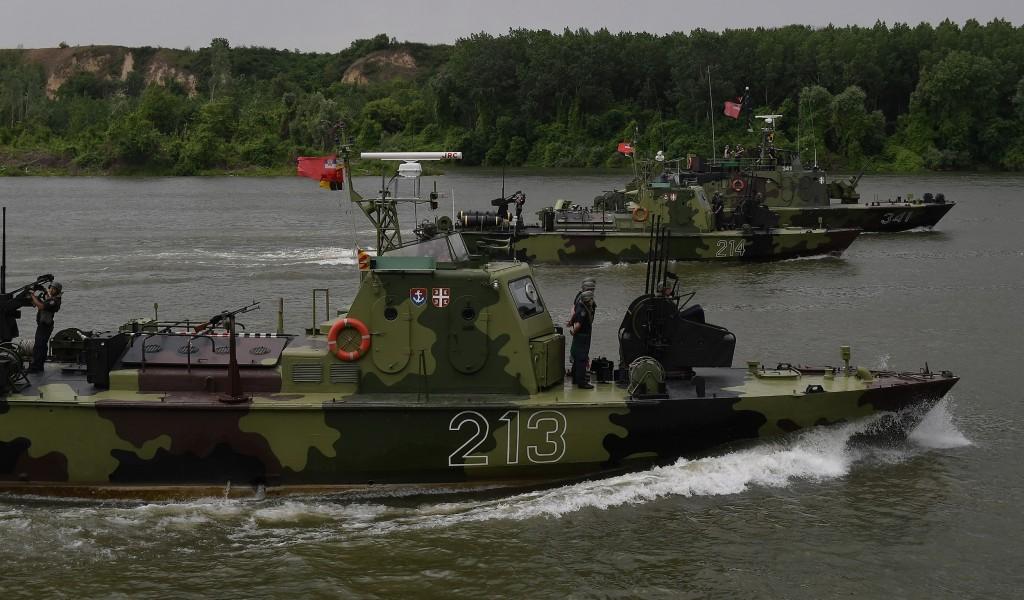 Ministar Vulin na poligonu Titel Naše reke i naša jezera neće biti bez odgovarajuće zaštite