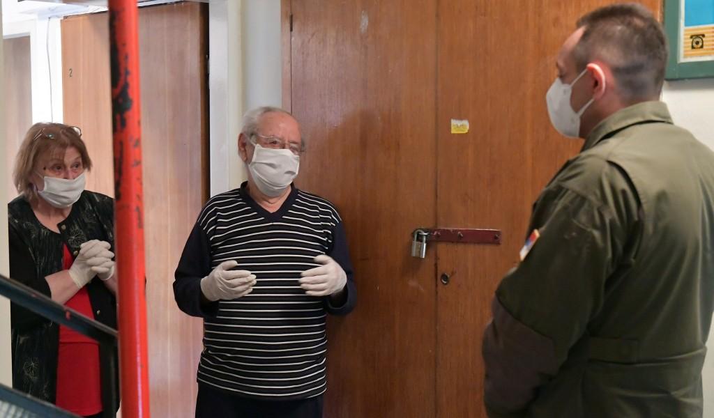 Ministar Vulin Vojska Srbije brine o svojim i aktivnim i penzionisanim pripadnicima