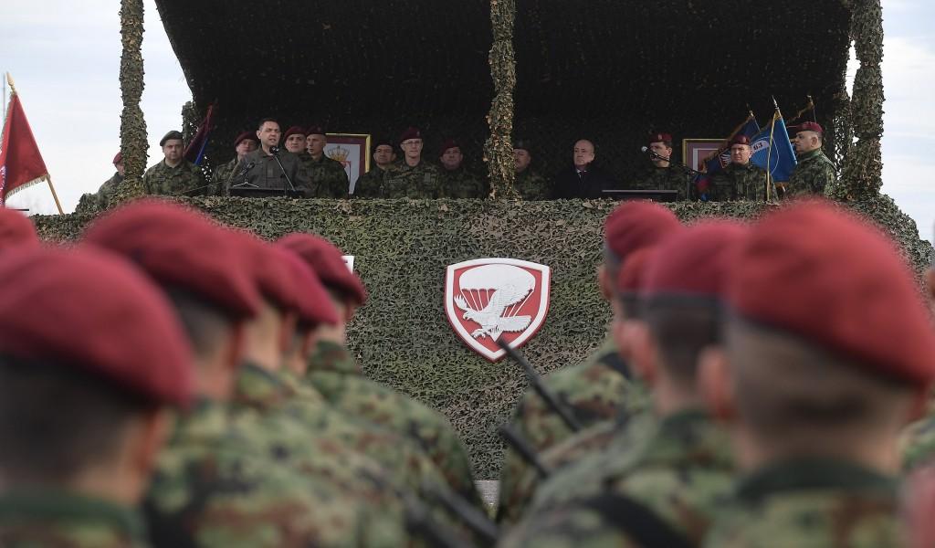 Министар Вулин Испуњено наређење врховног команданта 63 падобранска и 72 за специјалне операције поново бригаде