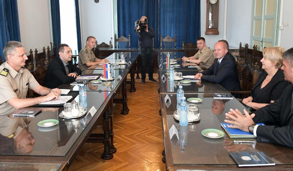 Susret ministara odbrane Srbije i Mađarske
