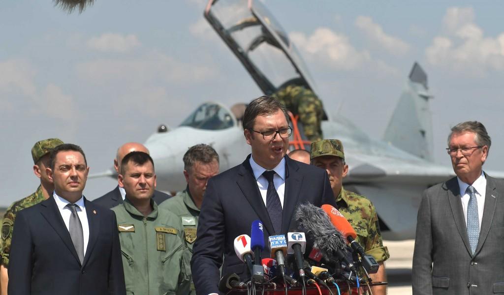 Predsednik Vučić Moćna i snažna krila nad Srbijom