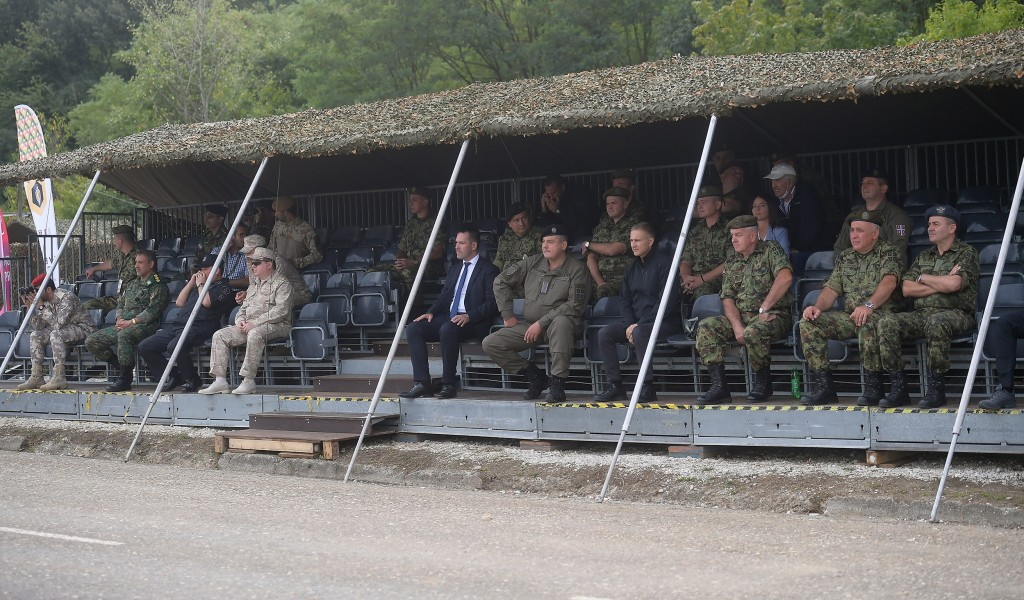 Minister Stefanović visits Guardian of Order competitors Serbian Armed Forces still in lead
