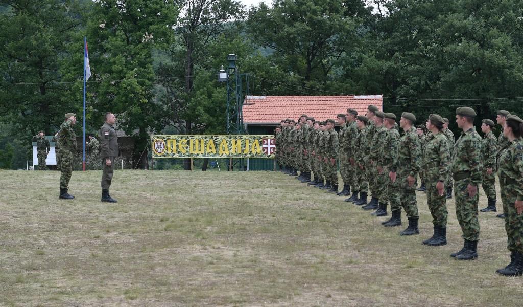 Министар Вулин Кадети Војне академије показују изузетне резултате