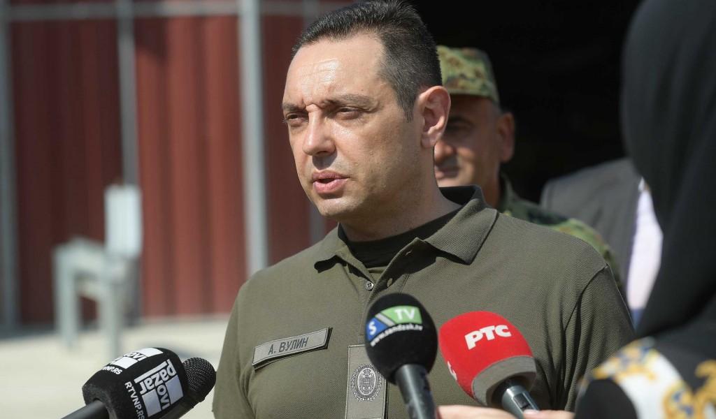 Министар Вулин Пре него Изетбеговић помене Вучића нека најпре каже ко је покушао да га убије