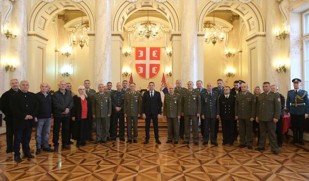 Ministar Vulin LJudi imaju razloga da veruju svojoj Vojsci i državi