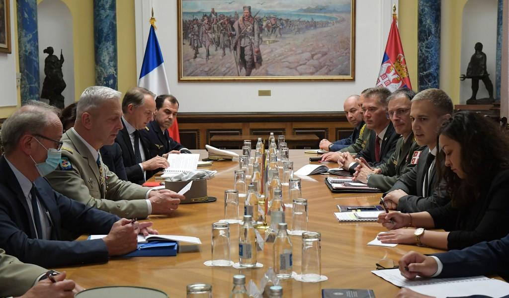 Састанак министра Стефановића са начелником Генералштаба Оружаних снага Републике Француске генералом Лекоантром
