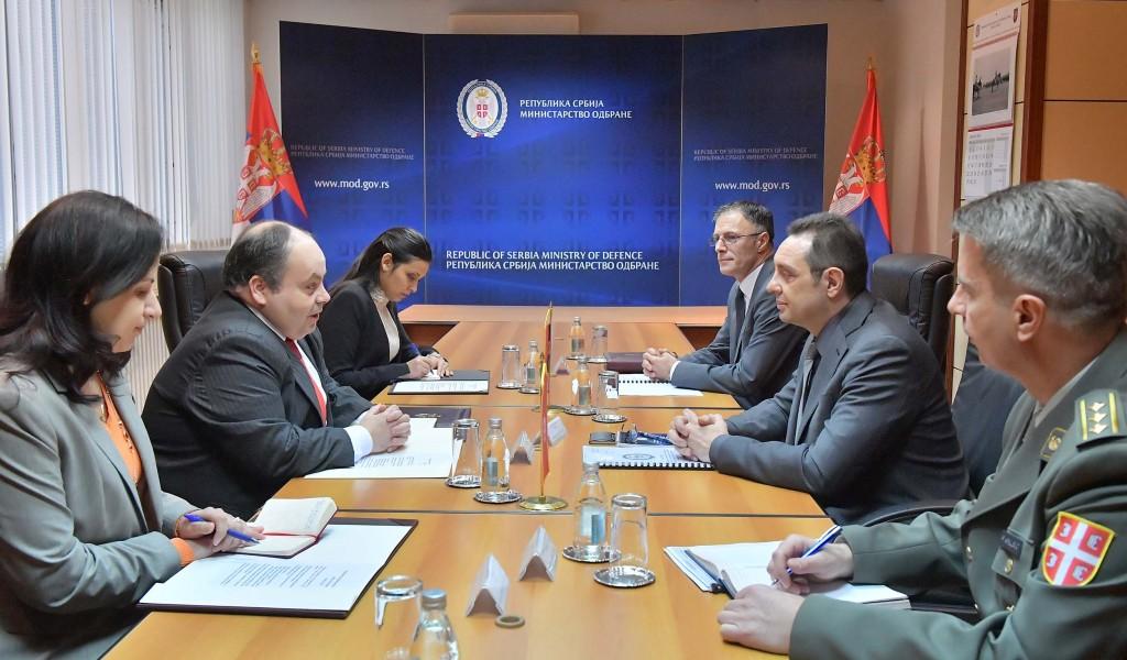 Сусрет министра одбране и новоименованог амбасадора Туниса