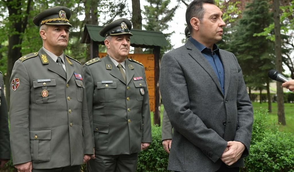 Министар Вулин Забрињава ћутање ЕУ и НАТО на изјаве Харадинаја и Тачија