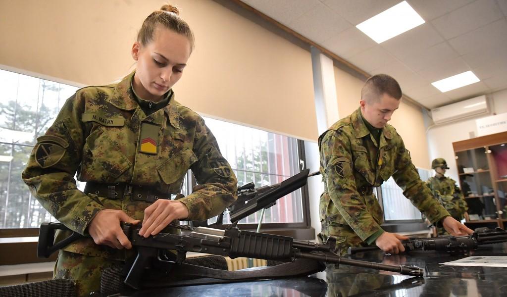 Vojne škole uspešne i na terenu i onlajn