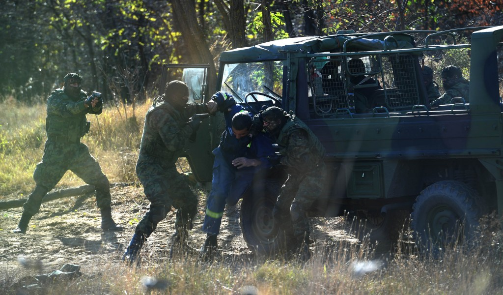 Министар Вулин Војска Србије се свакодневно обучава