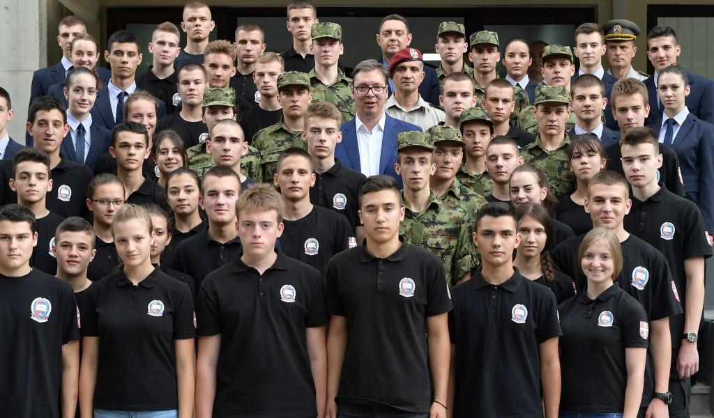 Председник Вучић у Војној гимназији Догодине Војска Србије најјача у региону