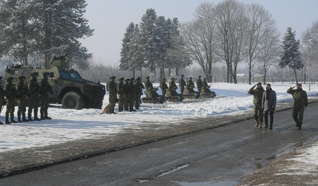 Ministar Stefanović pozvao mlade da se prijave na konkurs za vojne škole