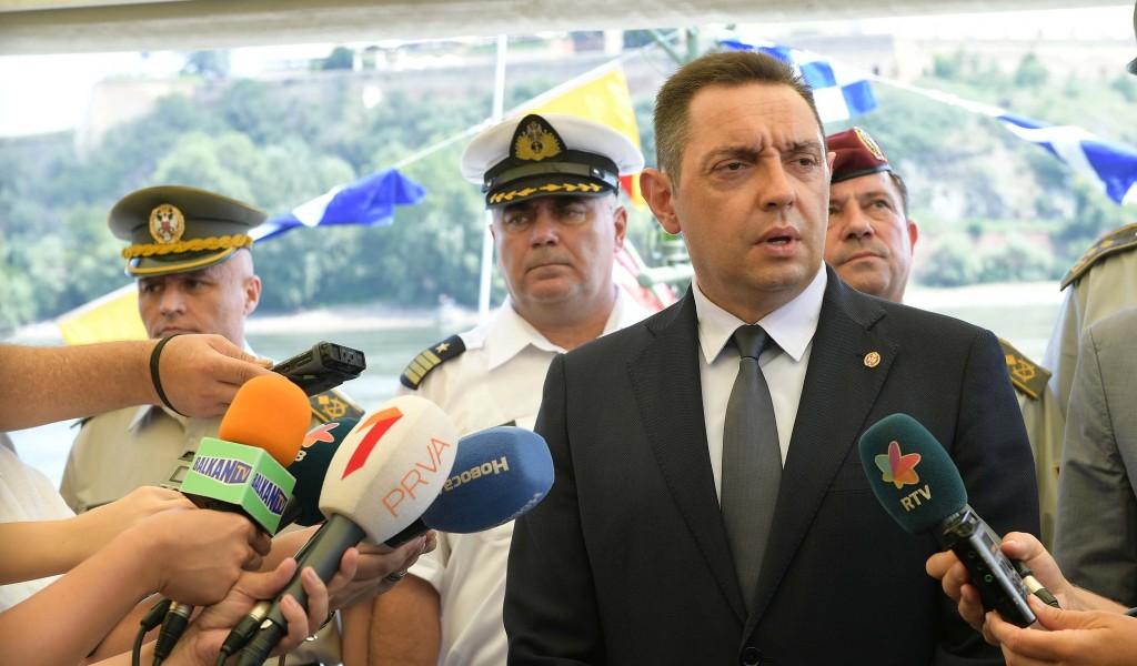 Министар Вулин Србија не може да ћути кад се пред њеним очима понавља мржња