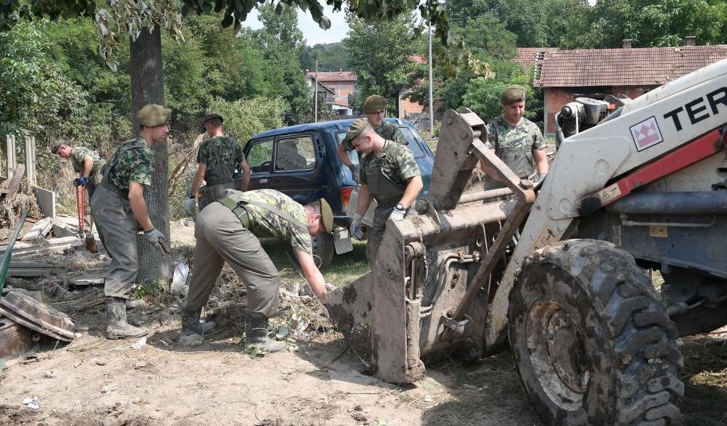 Бројнија војска сигурнија Србија