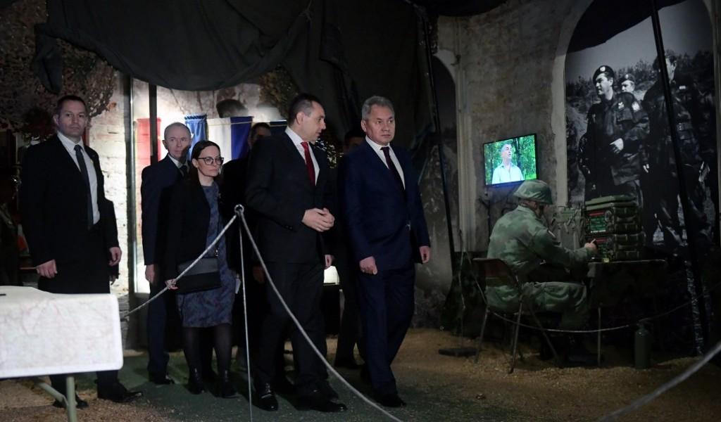 Ministri Šojgu i Vulin na izložbi Odbrana 78