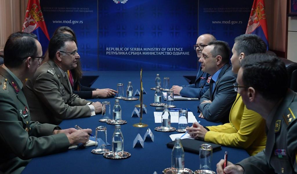 Састанак министра Вулина са генералом Виталеом