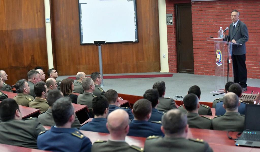 Предавање кинеског амбасадора у Војној академији