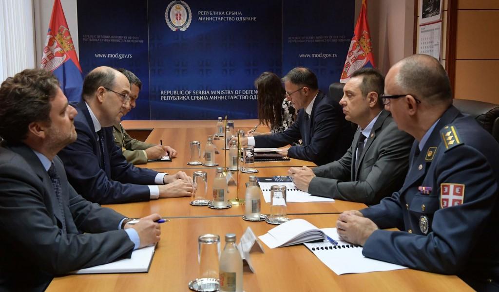 Састанак министра одбране и амбасадора Републике Италије