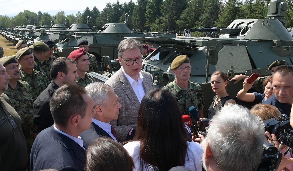 Председник Вучић Поносан сам на Војску Србије на људе који увек служе и штите Србију