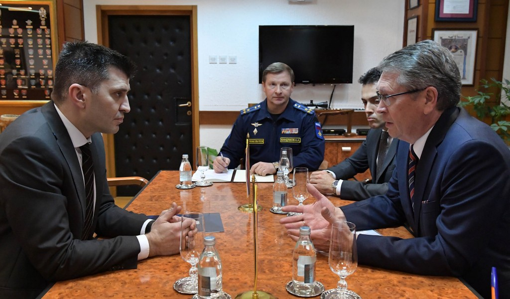 Састанак министра одбране и амбасадора Руске Федерације