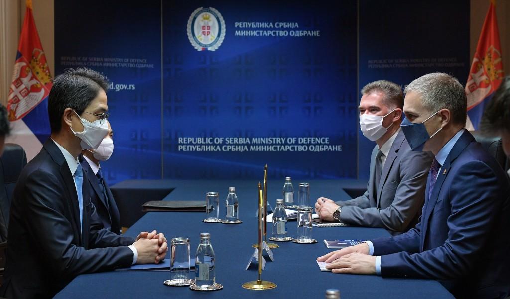 Састанак министра Стефановића са амбасадором Републике Кореје Чеом