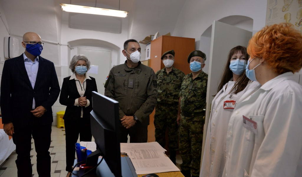 Minister Vulin Military Hospital in Novi Sad has adapted its capacities and received COVID patients