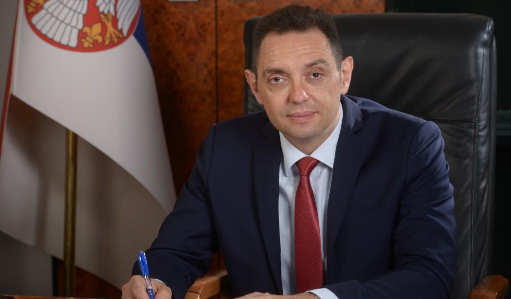 Министар Вулин Јутарњи лист заслепљен мржњом према Вучићу