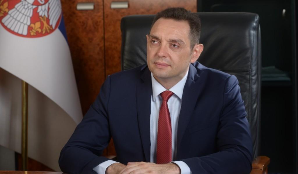 Министар Вулин у интервјуу Одбрани Војска за понос Србије