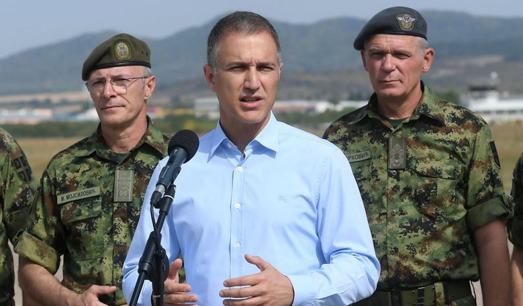 Министар Стефановић: Обавезни војни рок је реална потреба војске