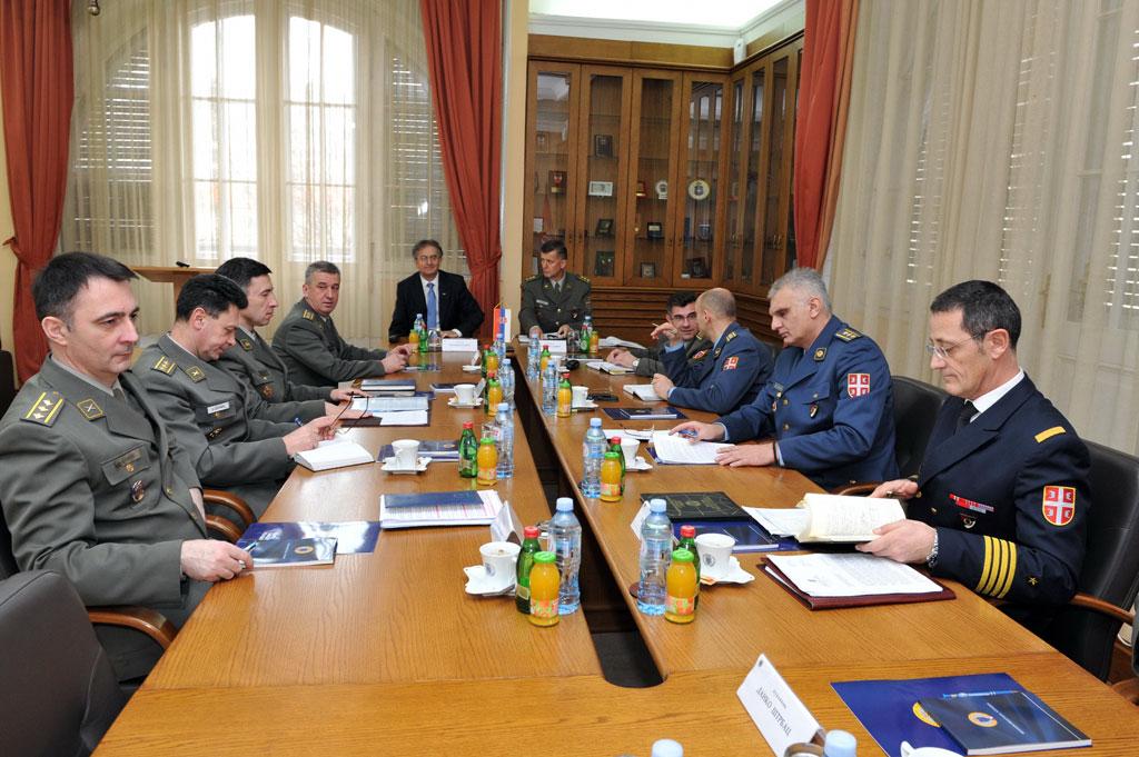 Minister Rodic visits VOA