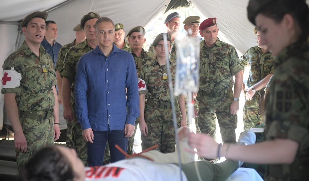 Министар Стефановић Бити припадник Војске и лекар у исто време посебна је част