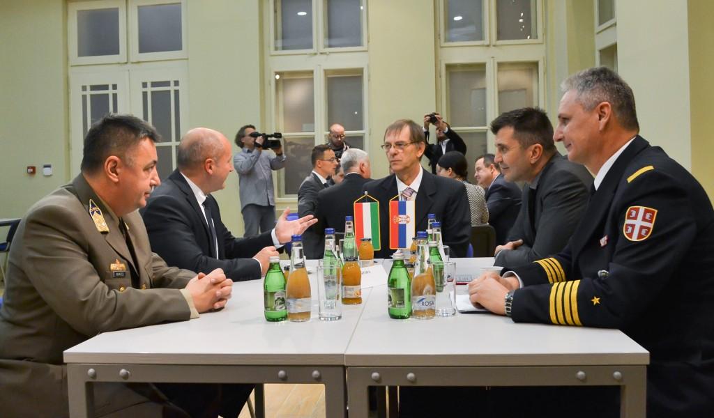 Потврда развијене сарадње Србије и Мађарске у области одбране