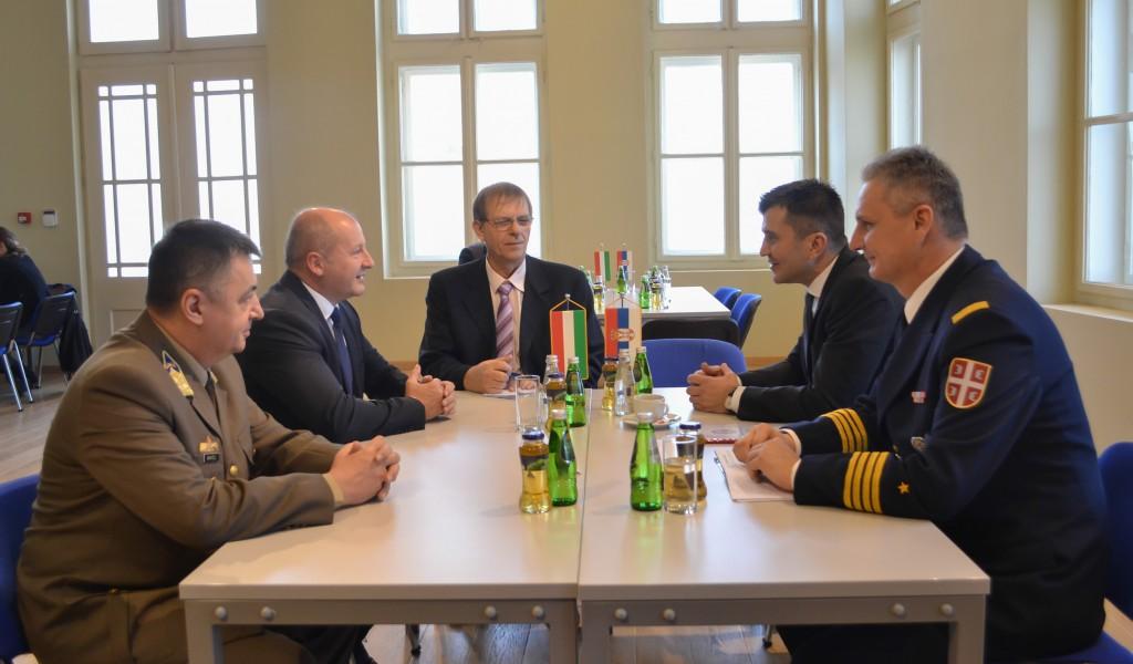 Сусрет министара одбране Србије и Мађарске