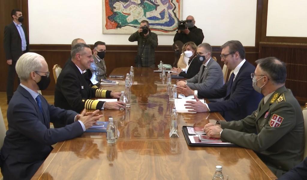 Састанак председника Вучића са командантом Команде здружених снага НАТО а адмиралом Бурком