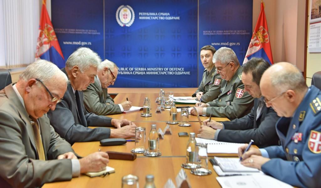 Састанак министра одбране с представницима Удружења војних пензионера Србије