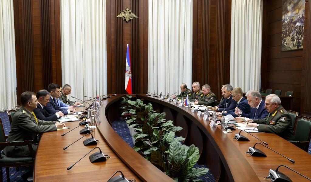 Састанак министара одбране Србије и Русије