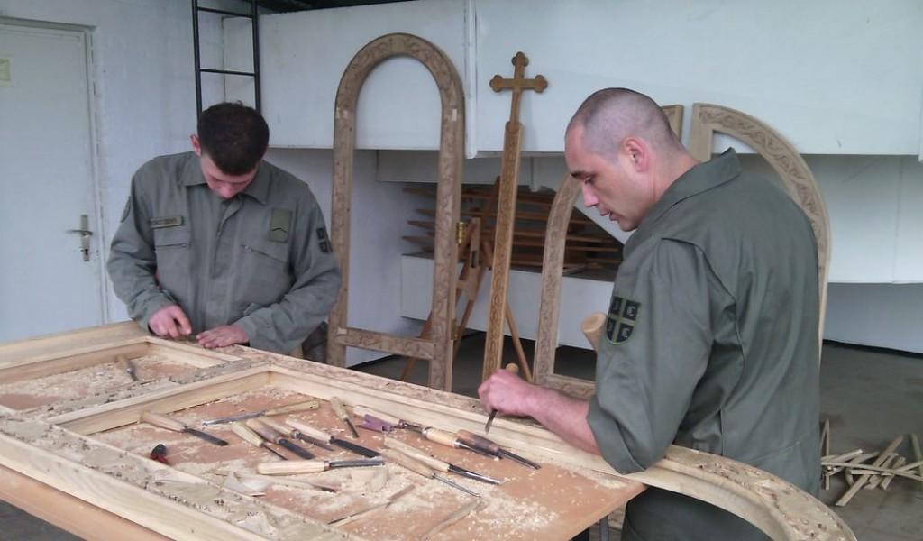 Iconostasis creators Corporal Vladan Djurovic and Lance Corporal Slobodan Kokotovic