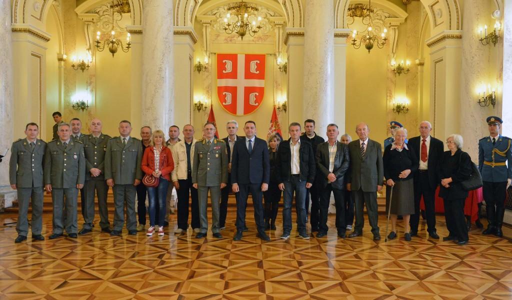Министар Вулин Само стабилна и сигурна Србија може да води рачуна о припадницима служби безбедности