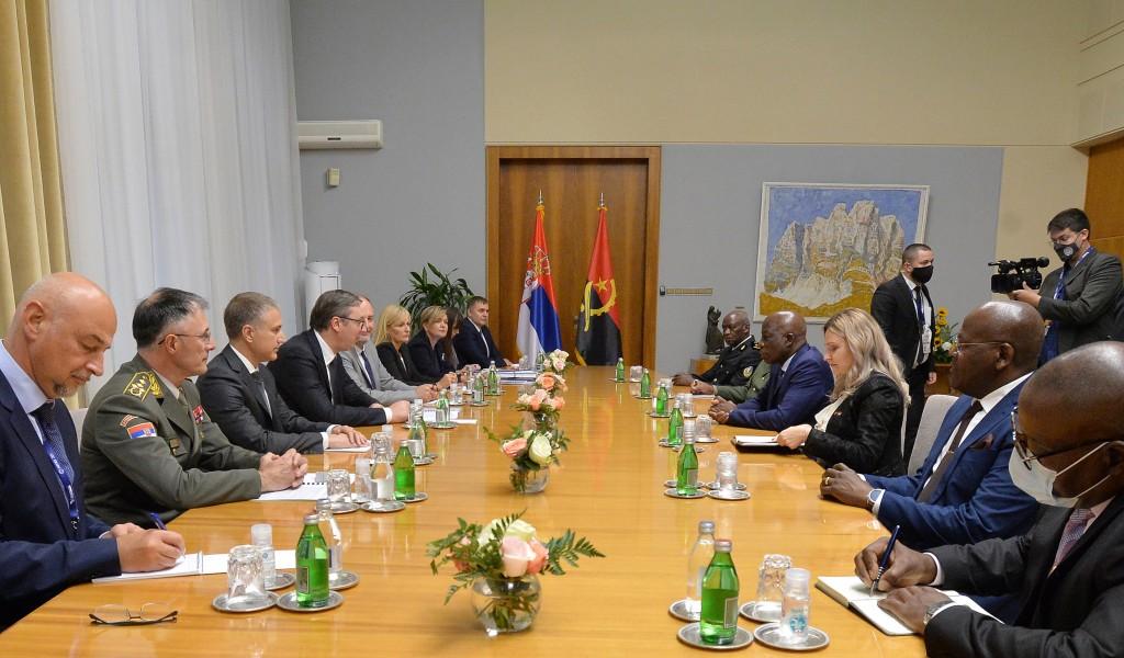 Састанак председника Вучића са министром одбране Републике Анголе