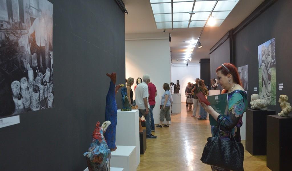 Отворена изложба Скулптура самоуких визионара Србије
