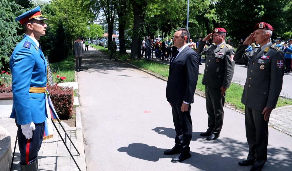 Министар Вулин Изразите жаљење због убијених војника