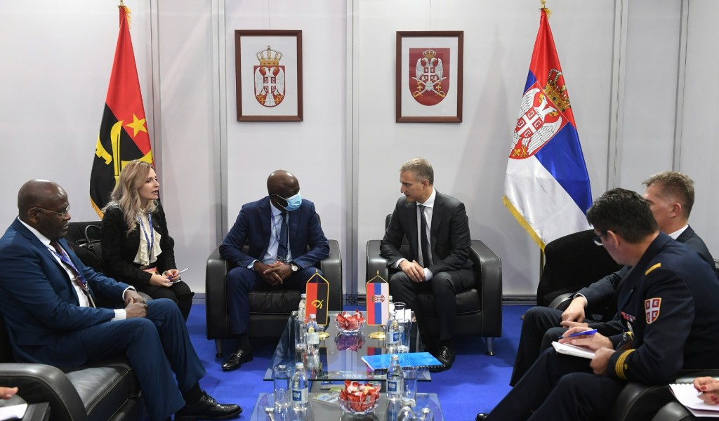Meeting of Minister Stefanović with Angolan Minister of Defence General Santos